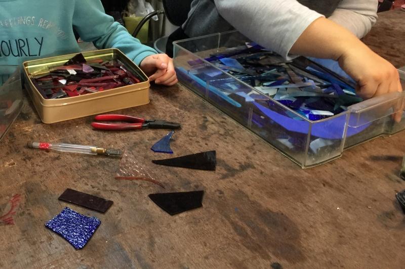 スタジオヤマノ, studioyamano, ステンドグラス, stainedglass, 大阪, 吹田, 北摂, 関西, 北摂習い事, ワークショップ, ワークショップ開催, ワークショップイベント, 出張ワークショップ, 出張レッスン, 出張教室, パネル, panel, 表札, ネームプレート, 親子, 親子制作, やりたいことをする, 作りたいものを作る, 使いたいもので作る,