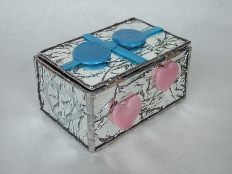 宝箱 バーナーワークとステンドグラスを組み合わせて